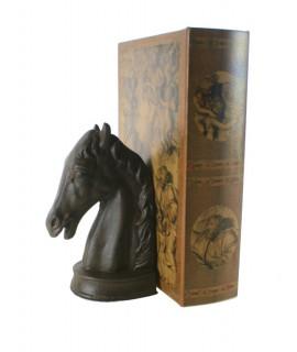 Juego de dos sujetalibros de hierro fundido cabeza de caballo. Medidas: 20x12x9 cm.