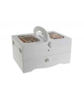 Cosidor blanc amb tapes encoixinades i calaix central. Mesures: 18x24x17 cm.