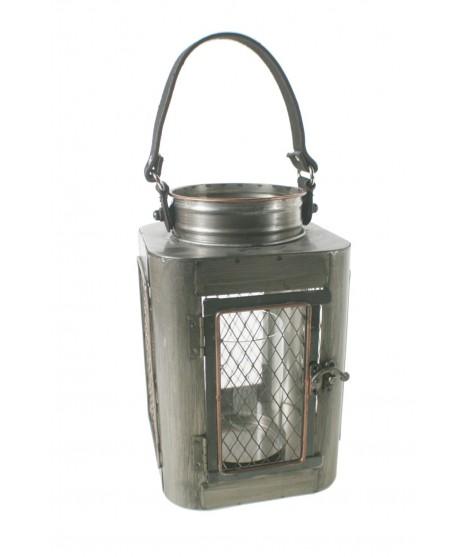 Farol industrial de metal para velas grandes. Medidas: 37x16x16 cm.