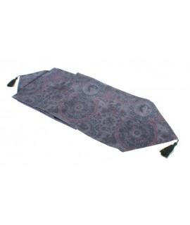 Camí de taula estampat color lila. Mesures: 31 x180 cm.
