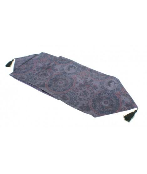 Camino de mesa estampado color lila. Medidas: 31 x180 cm.
