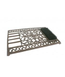 Felpudo limpia suelas de hierro colado con cepillo. Medidas: 6x60x40 cm.