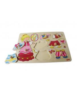 Puzzle en bois habille la princesse. Mesures: 30x21 cm.