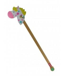 Cavallet de pal per a les Princeses de la casa. Mesures: 96x20x20 cm.