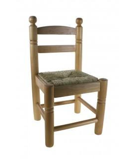 Cadira Infantil amb seient de bova color mel. Mides totals: 53x27x27 cm.