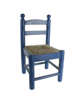 Silla Infantil con asiento de anea color azul. Medidas totales: 53x27x27 cm.