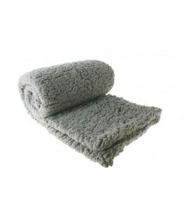 Manta de felpa para colcha sofá y cama color gris. Medidas: 130x170 cm.