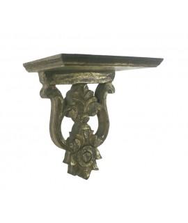 Mènsula de fusta tallada acabat or vell. Mesures: 21x20x12 cm.