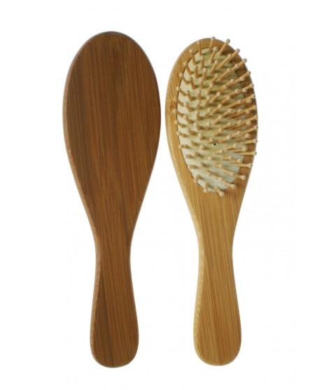 Cepillo para el pelo con púas de madera. Medidas: 21x6 cm.
