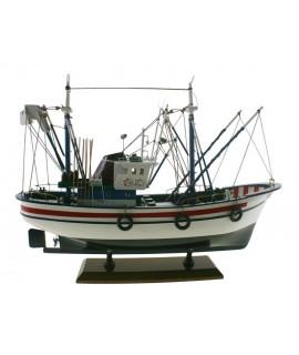 Bateau de pêche au thon. Mesures longues: 45 cm.