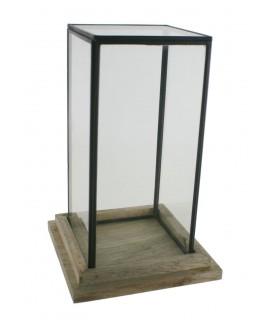 Haute urne carrée en verre. Mesures: 27x17x17 cm.