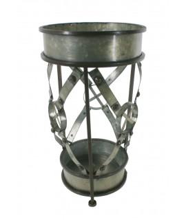 Porte-parapluie vintage en métal fini en étain. Mesures: 44xØ24 cm.